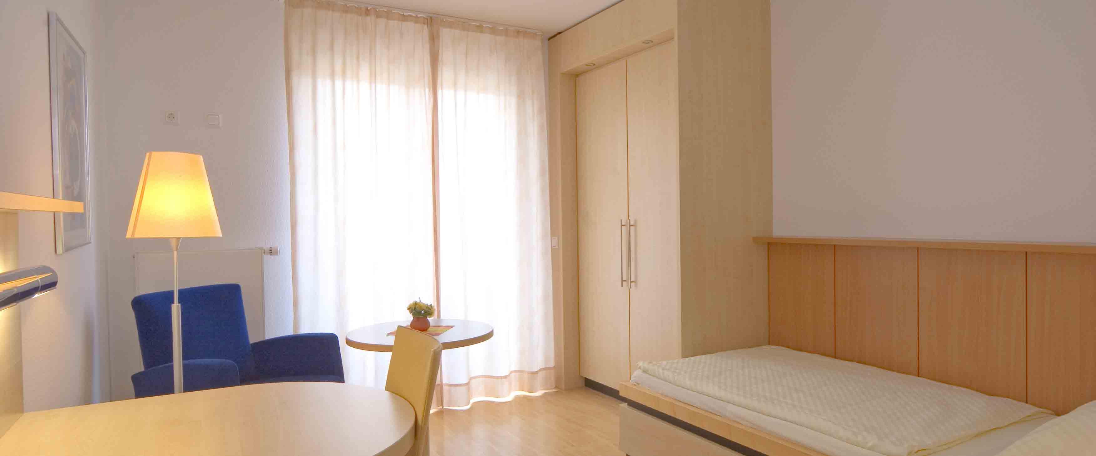 Zimmer 3 der MEDIAN Klinik für Psychosomatik Bad Dürkheim