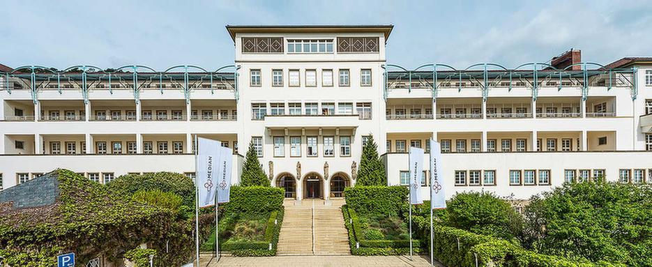 Gebäude von außen der MEDIAN Klinik Sonnenwende Bad Dürkheim