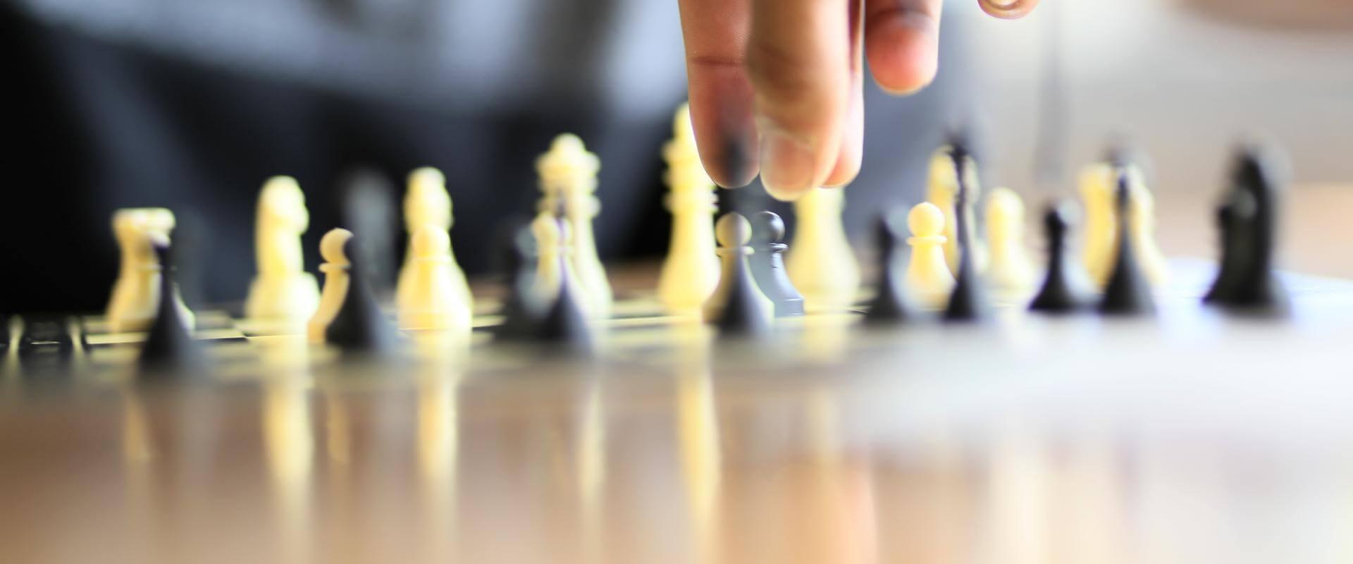 Patienten spielen Schach in der MEDIAN Klinik Odenwald