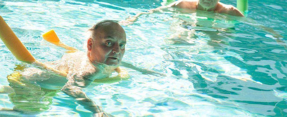 MEDIAN Buchberg Bad Tölz Männer beim Schwimmen