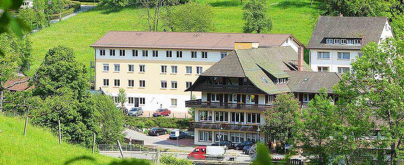 Außenansicht der MEDIAN Franz-Alexander-Klinik Nrodrach