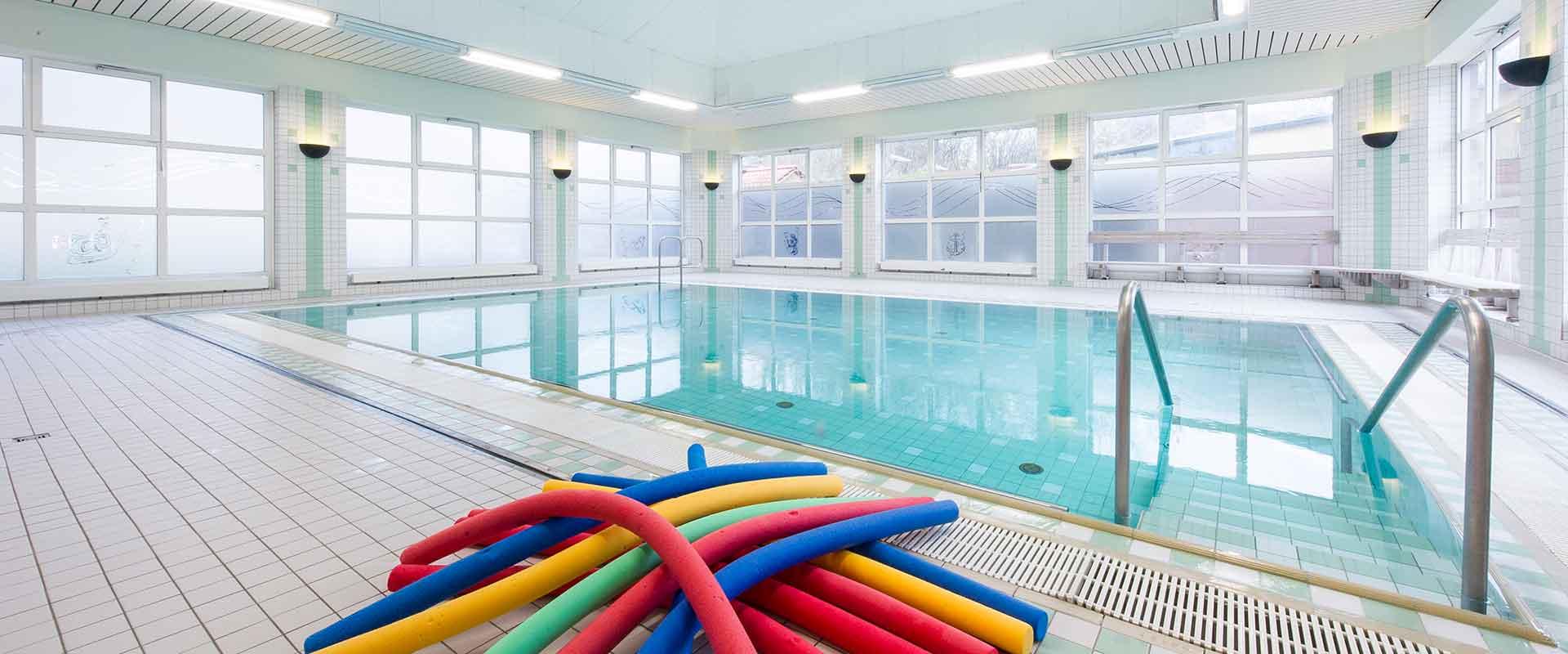 Schwimmbad in der MEDIAN Klinik Schweriner See