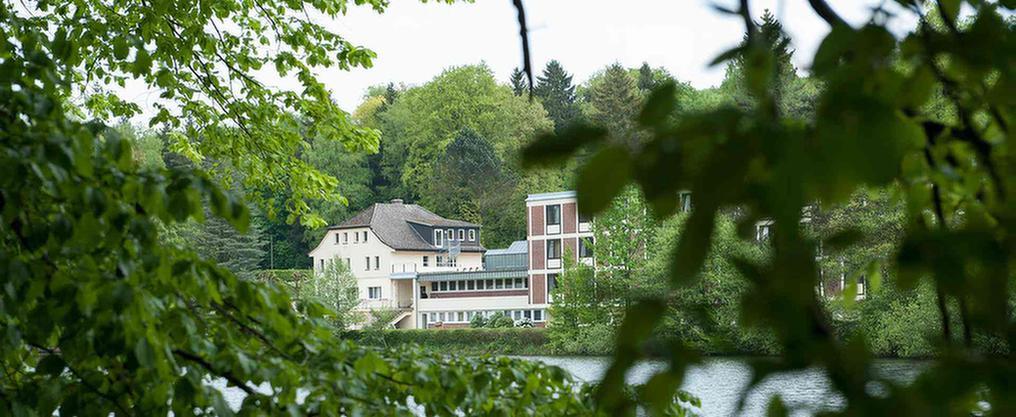 Außenansicht über das MEDIAN Soziotherapeutisches Zentrum Haus Seeblick