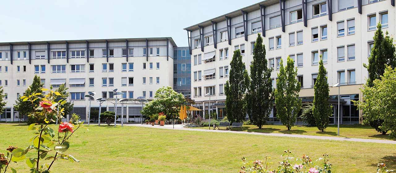 Außenansicht der MEDIAN Klinik NRZ Magdeburg
