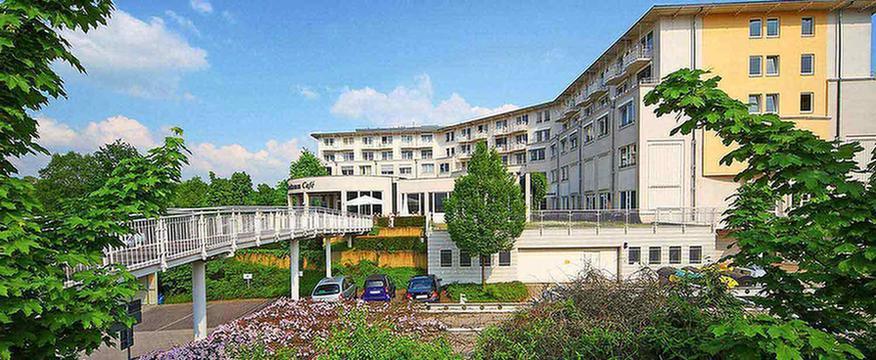 MEDIAN NRZ Wiesbaden Außenansicht