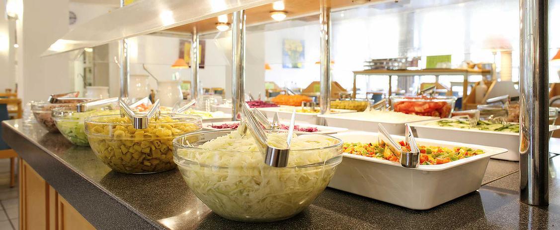 Salatbuffet in der MEDIAN Klinik Wilhelmshaven